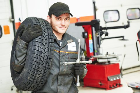 Fleet maintainance and servicing by qualified & accredited mechanics